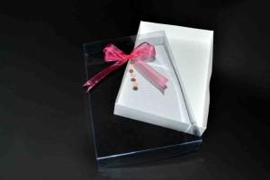 Cutii cadouri personalizate cu funde