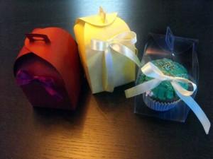 Cutii din carton colorat pentru marturii