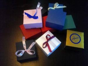 Cutiute personalizate pentru bijuterii cutiute personalizate bijuterii Cutiute personalizate bijuterii cutiute din carton personalizate pentru bijuterii 1410idCatProd25 1 300x225