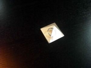 Cutiute piramida pentru bijuterii cutiute piramida bijuterii Cutiute piramida bijuterii cutiute plastic piramica mica 1213 1