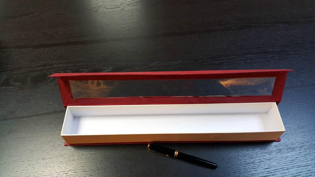 Cutie rigida cu magnet si fereastra transparenta -  6