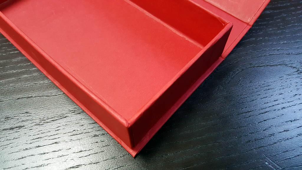 Cutie rigida pentru  praline cu magnet - 4