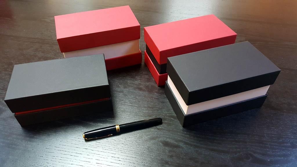 cutii din carton rigid
