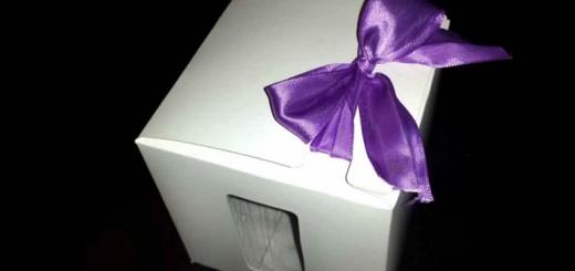 Cutii carton fereastra cadouri