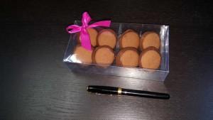 cutie cu chese Cutie cu chese pentru 8 bomboane 333 21 300x169