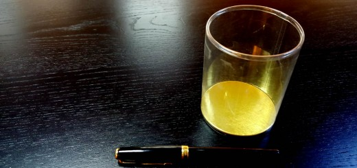 cilindri transparenti Cilindri transparenti cu baza din carton gros si cu capac din plastic transparent Cilindri transparenti cu baza este din carton gros si cu capac din plastic transparent 1 520x245