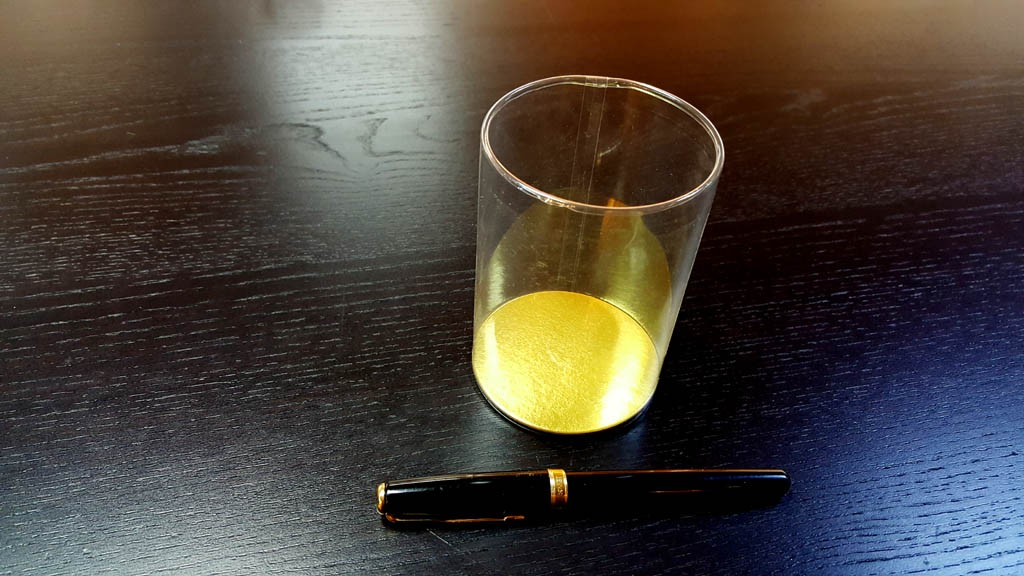 Cilindri transparenti cu baza este din carton gros si cu capac din plastic transparent - 2