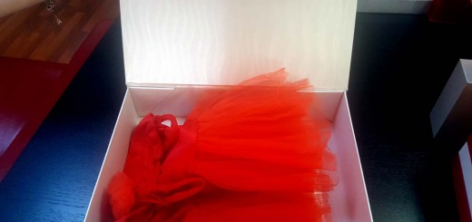 Cutie de lux pentru rochite