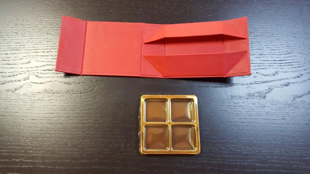 Cutie rigida cu magnet pentru 4 praline-bomboane - 3