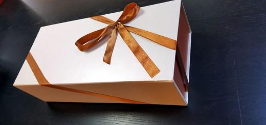 Cutie rigida de lux pliabila  Cutie rigida de lux pliabila pentru papusi, rochii, cosmetice Cutie rigida de lux pliabila pentru papusi rochii obiecte de lux etc 1 520x245