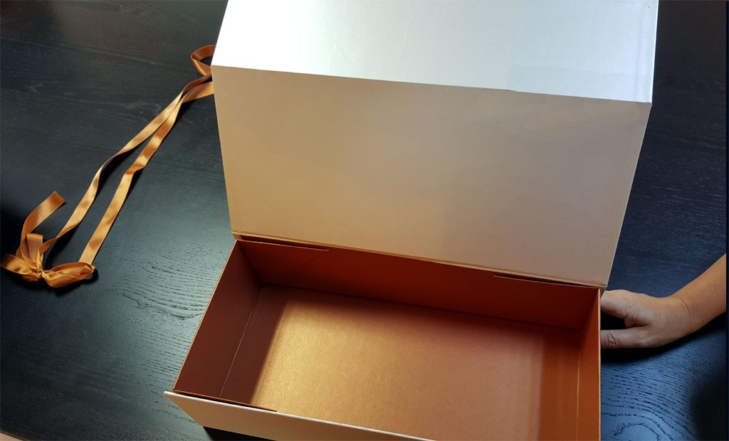 Cutie rigida de lux pliabila pentru papusi, rochii, obiecte de lux etc - 3