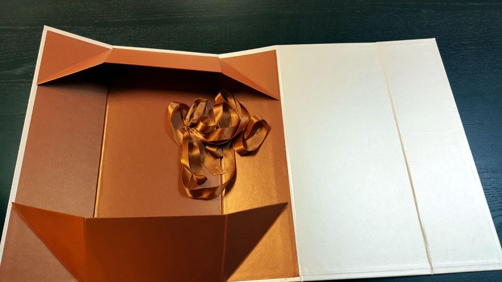 Cutie rigida de lux pliabila pentru papusi, rochii, obiecte de lux etc - 4