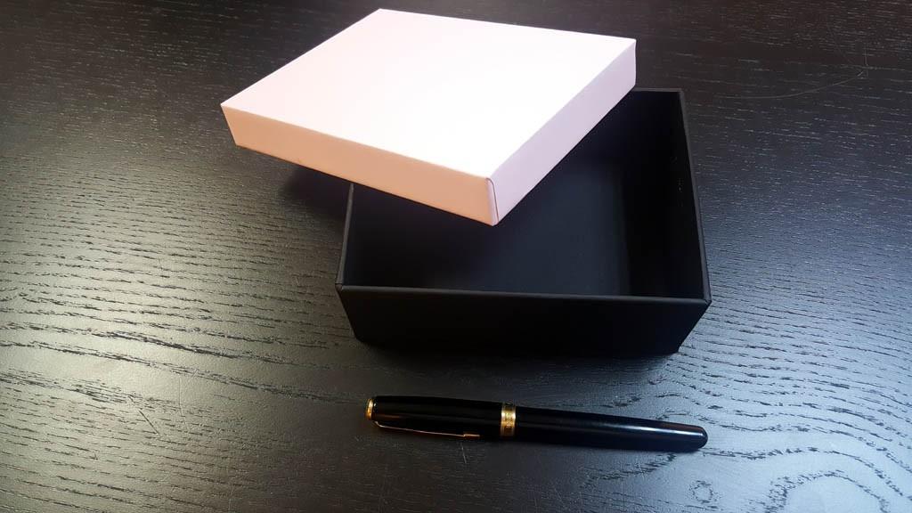 Cutie rigda cu capac pentru accesorii - 10