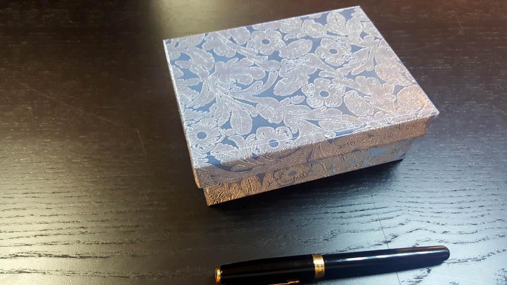 Cutie rigda cu capac pentru accesorii - 11