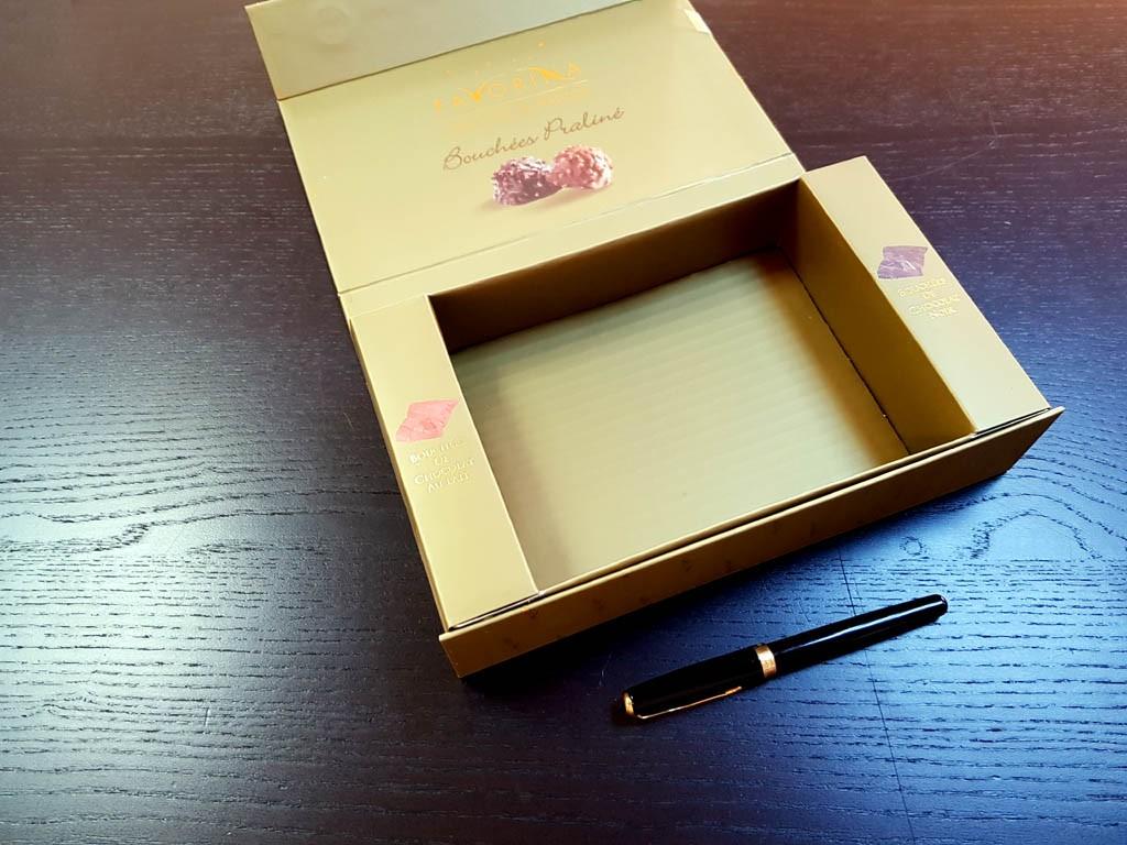 cutie rigida pentru bomboane Cutie rigida pentru bomboane Cutie rigida pentru bomboane 2 1024x768