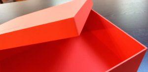 Cutii rigide pentru genti de piele si alte accesorii de lux Cutii rigide pentru genti de piele si alte accesorii de lux Cutii rigide pentru genti 11 300x146