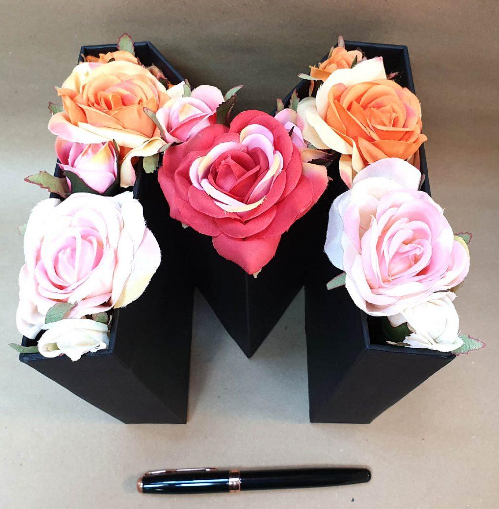 M - litera flori si bomboane (4)